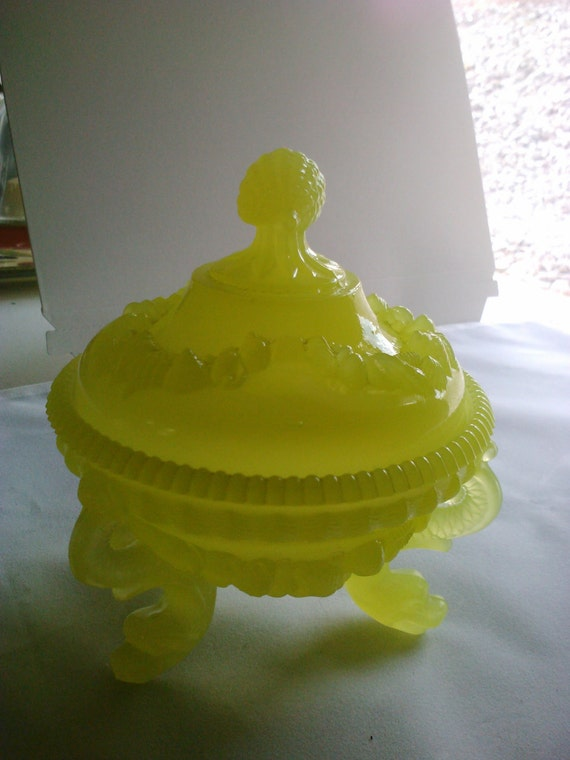Clearance Westmoreland Yellow Serpent and Shell Beach Decor Argonaut glass Chipped Vintage Candy Dish for a Mermaid