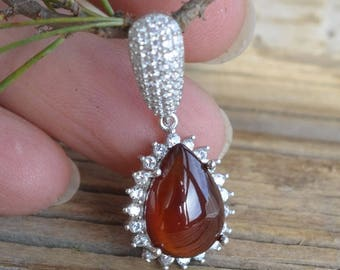 Red Garnet Hessonite Pendant. Garnet Necklace. Garnet Gemstone and Sterling silver. Jewelry with natural garnet. Gift Idea. Present for her.