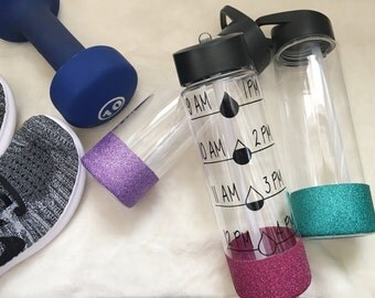 Water Intake Tracker Water Bottle//Glitter Dipped//Water Tracker//Bridal//Engagement Gifts//Bridesmaid Gifts//Personalized//Custom Sayings