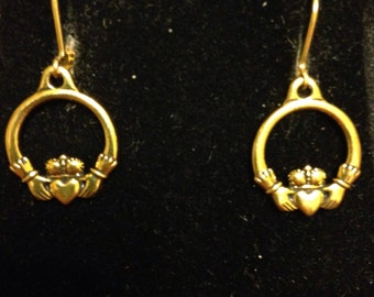 The Caitlin Clauddagh Earrings