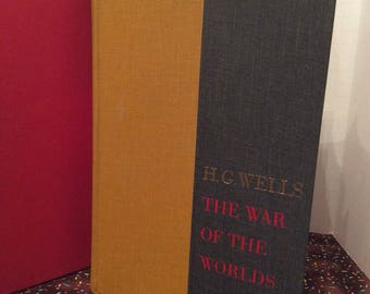 The War Of The Worlds and The Time Machine ~ H.G. Wells ~ c1964 ~ Vintage 2 Books In 1
