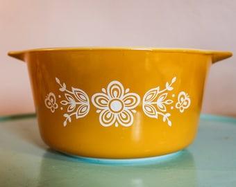 Vintage Pyrex Butterfly Gold 1 QT Round Casserole Baking Dish ~  473