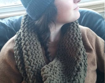 INFINITY SCARF, handknit, olive
