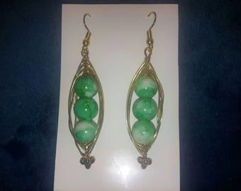 Handmade Elegant Gold Wire Green and White Swirl Beaded Pea Pod Earrings