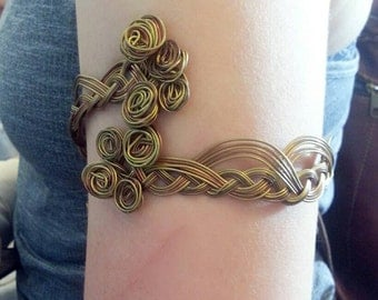 wires armlet