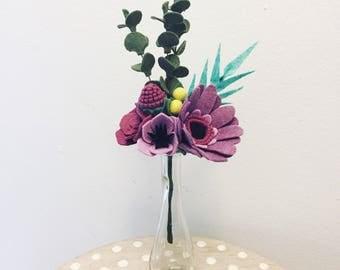 Bold purples felt flower bouquet // faux flowers // floral arrangement // wedding flowers // wedding bouquet // fake flowers