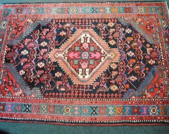 40% clearance Persian rug authentic Hamadan in Iran carpet knotted hands the country of origin. DISCOUNT40 coupon code