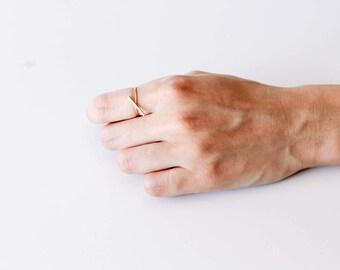 Diagonal Bar Ring