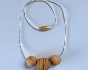 the acacia // wooden teething necklace