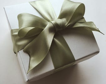 White Horse Spa Shop | Gift Packaging + Gift Tag | Add On