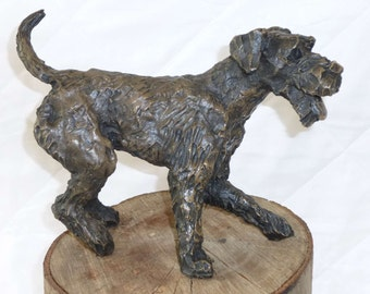 Airedale Terrier/Bronze Resin Airedale Terrier