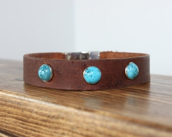 Leather Bracelet / Bracelet with Turquoise / Distressed Leather Bracelet with Turquoise Rivets