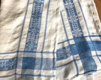 Vintage 1950s woven blue and white table cloth