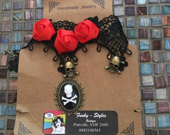 red rose and black lace  and skull pendants chocker
