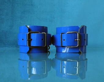 Royal Blue Leather Cuffs - Patent Leather Handcuffs - PinkPonyClubnl - Bdsm Adult Fetish Kinky DDLG ABDL Ageplay Ab/Dl little