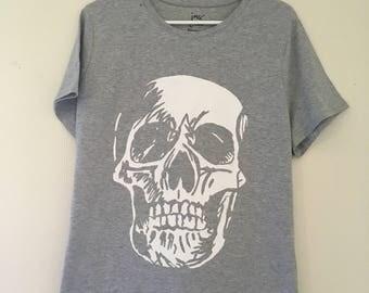 Grey and White Sketchy Skull