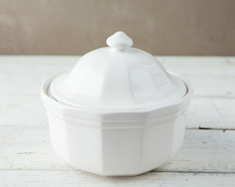 White Ceramic Covered Baking Dish-Food Photography Props