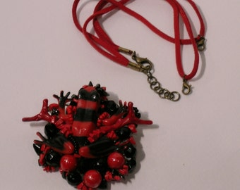 brooch, red and black frog necklace, convertible, red, jewel alcantara necklace jewellery