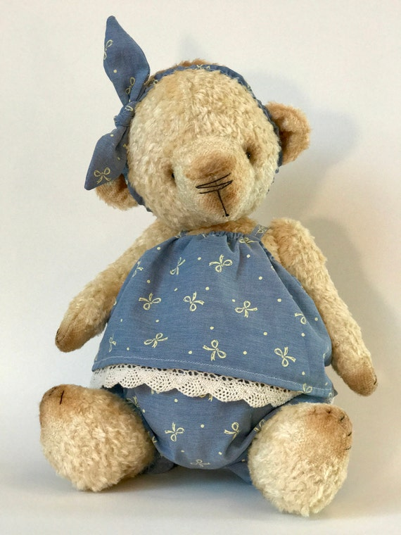 "Handmade OOAK artist teddy bear ""Maggie"" stuffed toy handmade plush FREE SHIPPING. Made to order. 2-3 weeks procesding time."