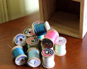 Vintage Wooden Spools in a Wood Box | Coats and Clarks Thread Spools