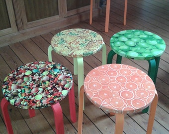 Stools in different colors