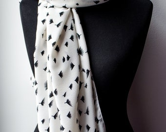 Spring scarf, Blanket scarf, White scarf, Black and white print, Flower Scarf, Summer Spring scarf, Winter Accessories, Womens gift,Casual
