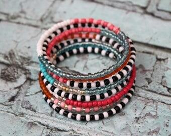 Beaded Bracelet/Memory Wire Bracelet/Beaded Cuff/Beaded Jewelry/Bohemian Jewelry/Summer Jewelry/Bracelets/Stacked Bracelet/Memory Wire/Beads