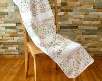 Entirely handwoven baby blanket. New born. White-pink-yellow. Baby blanket. Shower gift. Unique. Original. Sweetness. Promo
