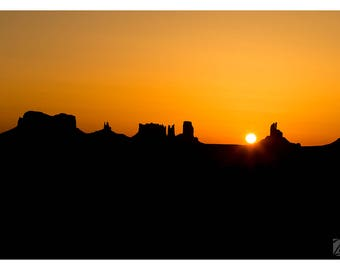 Sunrise in Monument Valley - Fine Art Print - Photography