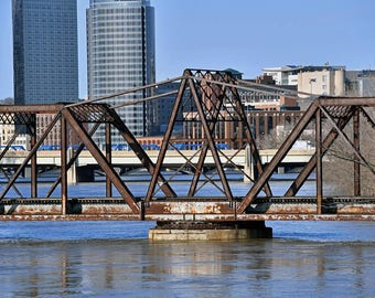 Grand Rapids Railroad Bridge with high water