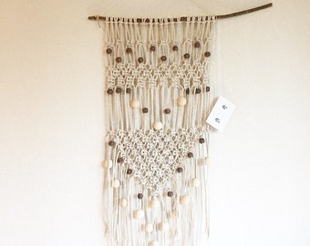Bly - large macrame in cotton and wooden beads