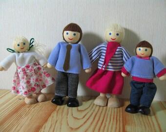 Miniature Dollhouse Family of 4