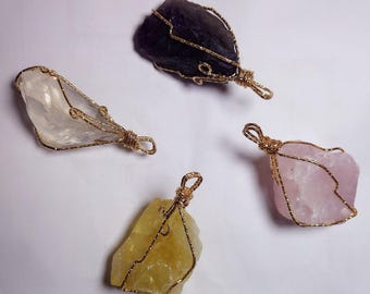 gold rimmed natural crystal necklace
