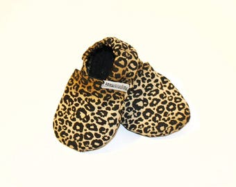 Leopard Print Baby Shoes, cheetah booties, baby shower gift, baby girl, gift for baby, baby moccasins, crib shoes, animal print, slippers
