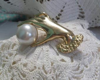 Victorian hand with pearl vintage brooch