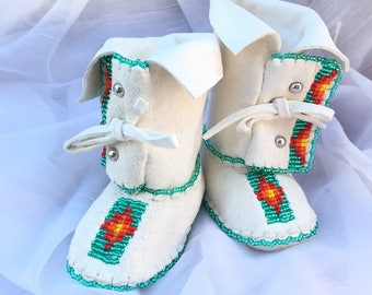Baby Shower Gift-Baby Soft Sole Leather Shoes-Moccasins-Native American Art-Beaded Moccasins-Boy-Girl Moccasin-WHITE BOOTS w/ TURQUOISE