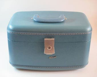 Mid-Century Train Case, Retro Make-Up/Cosmetic Carry On Luggage, 1950's-1960's Overnight Luggage