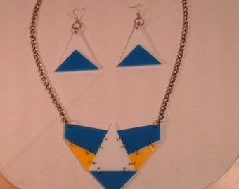 Acrylic / plexiglas necklace and earings - handmade