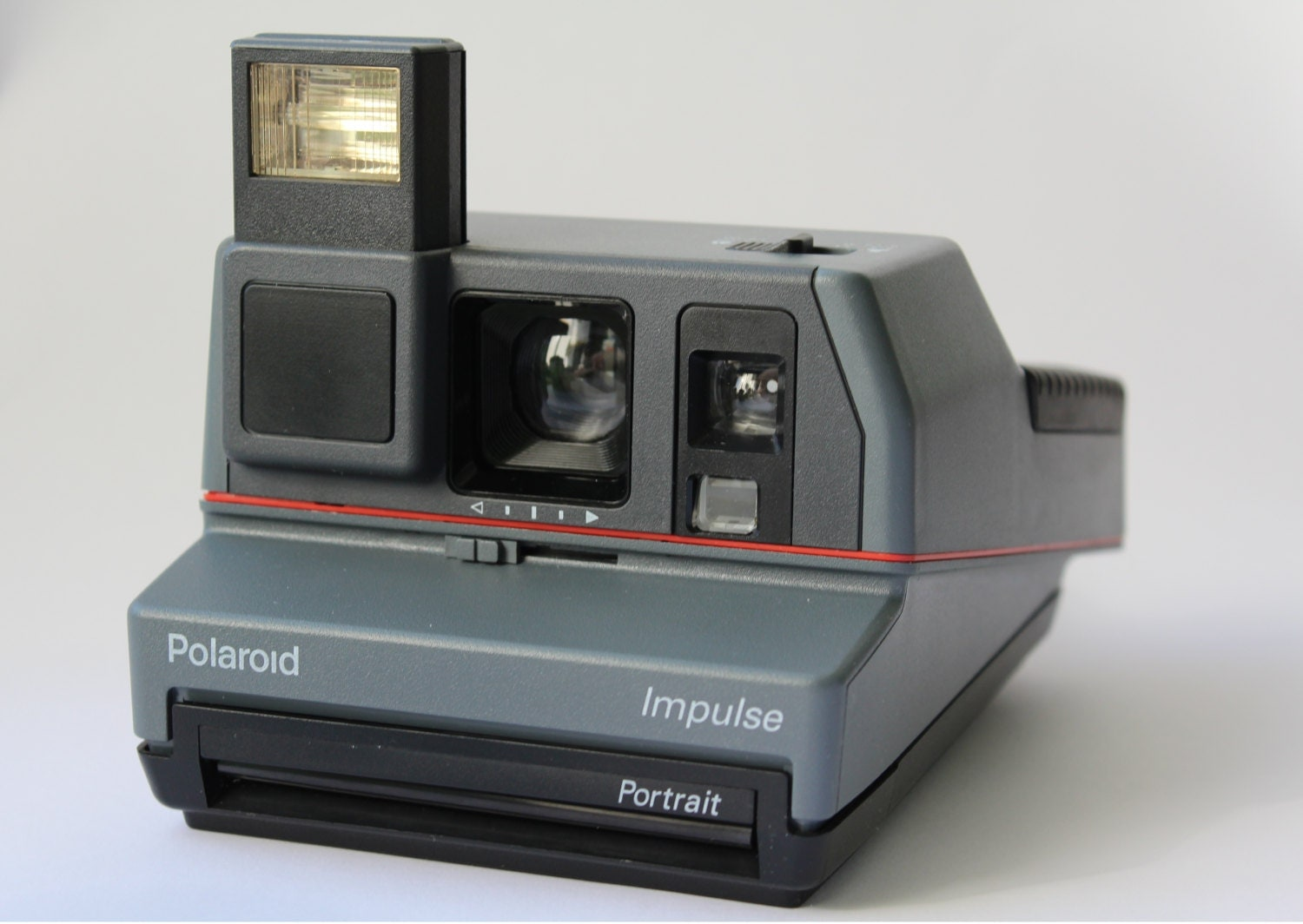 Bien connu Vintage Polaroid Impulse Portrait 600 Camera, Instant photo  JO63