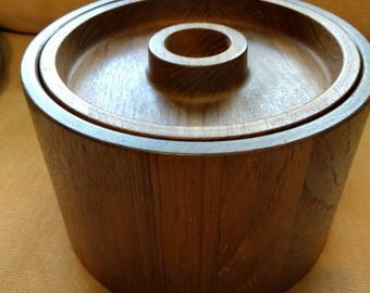 Vintage Mid Century Modern DANSK Interational Designs Ltd IHQ/DENMARK Teak Ice Bucket