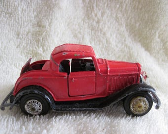Vintage Die-Cast Ford Model A 1984 by Road Champs