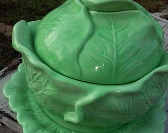 Three piece cabbage ware set