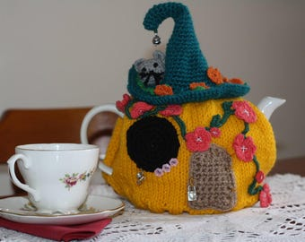 Flower Mouse House Tea Cosy