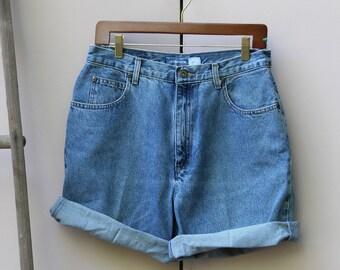 """VINTAGE Liz Claiborne """"Liz Wear"""" High-Waisted Denim Shorts"""