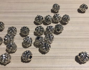 Top 25 pcs Tibetan silver / 25 pcs Tibetan silver bead bicone
