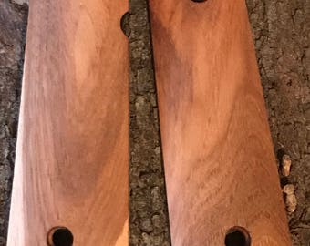 Hickory 1911 Grips