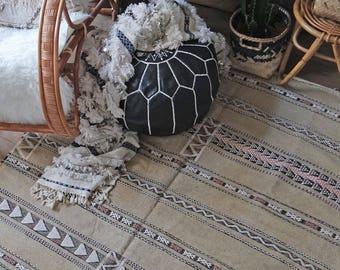 Tribal design Kilim Rug