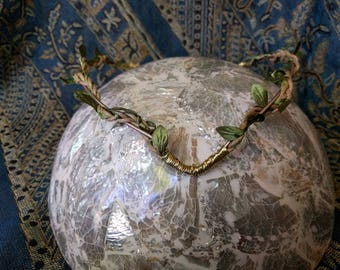Elven Crown - Woodland crown - Fairy Tiara - Gold Wrapping