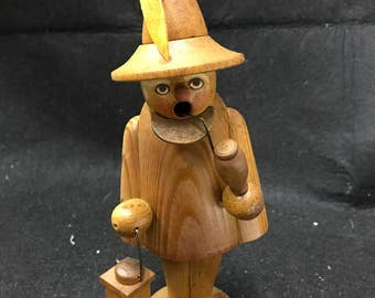 Erzgebirge Made in German  a natural  wooden town crier innocence burner / smoker