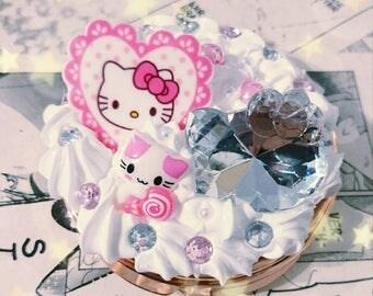Hello Kitty Pocket mirror kawaii decoding